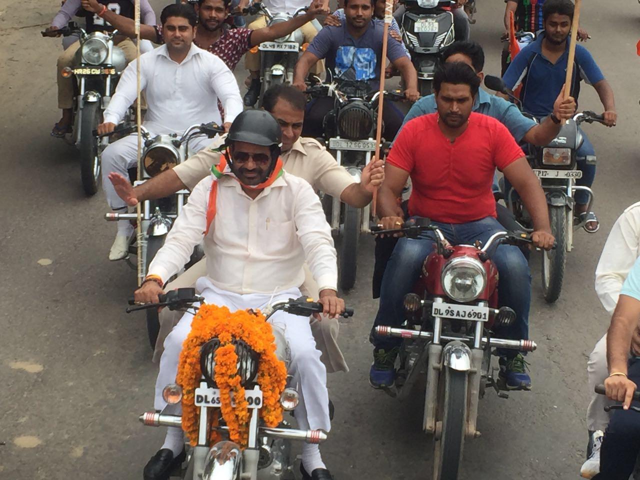"17.8.2016 BJP ""TIRANGA YATRA"" in Chattarpur Assembly & Badarpur Assembly"