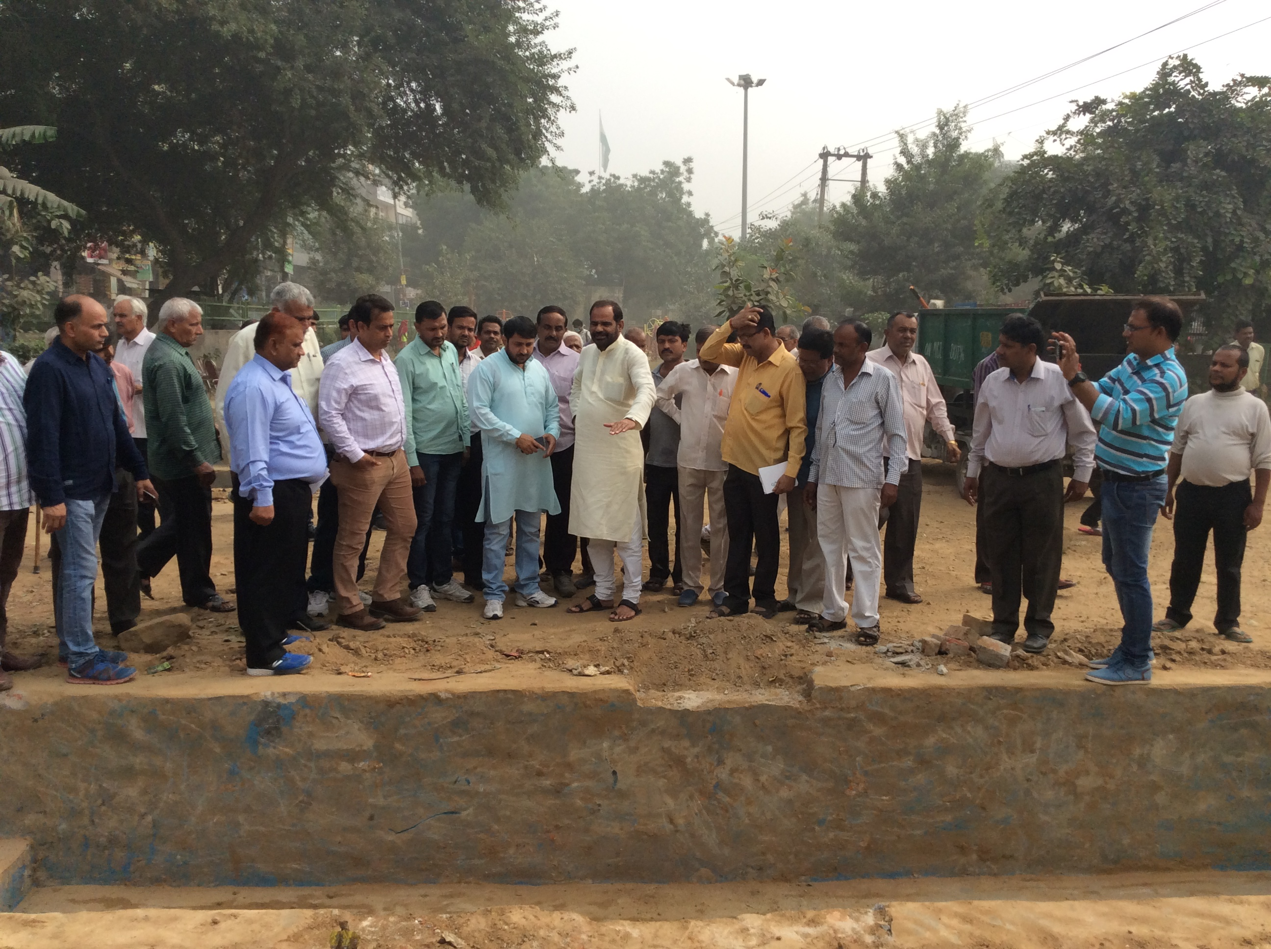 3.11.2016 Inspection of CHHAT GHATS in South Delhi Parliamentary Constituency