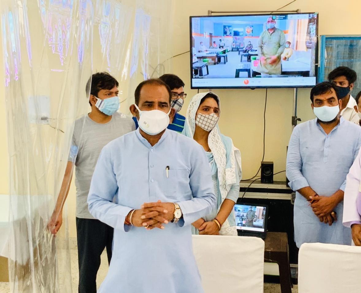 सांसद रमेश बिधूड़ी ने भाजपा कार्यकर्ता व स्वयं के ट्रस्ट द्वारा 125 बेड के 3 मोदी कोविड केयर सेन्टर प्रारंभ किए
